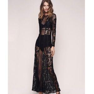 The Jetset Diaries 🖤 Yasmine Maxi Dress